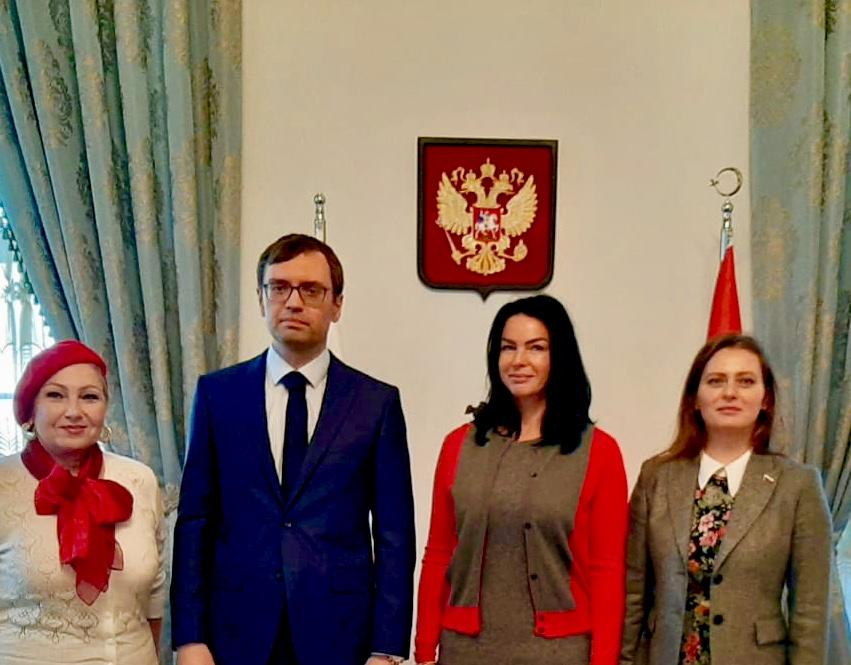 Встреча в консульстве - Общественная дипломатия